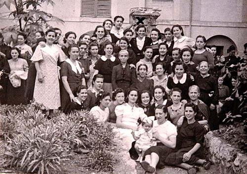 Matilde_Landa_y_presas_politicas_prisión_Palma_Mallorca-_septiembre_1941