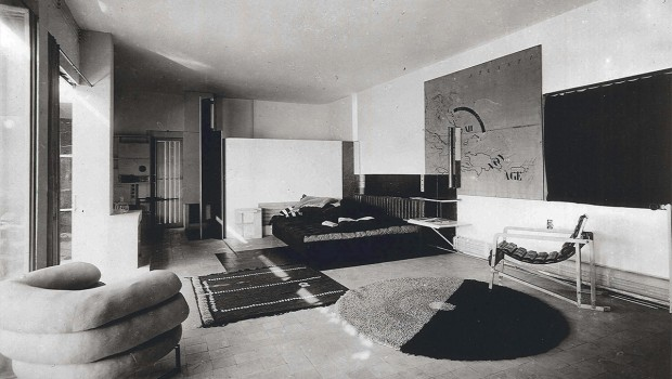 http://www.eileengray.co.uk/wp-content/themes/boilerplate/images/cap.jpg